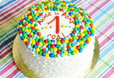 Торт с разноцветными пУпочками