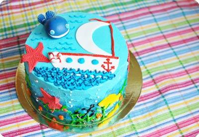 Морской торт с китом