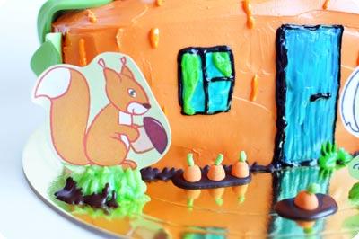 Торт в виде морковного домика-3
