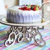 Резной столик для торта. Допустимый вес - 10 кг. Аренда