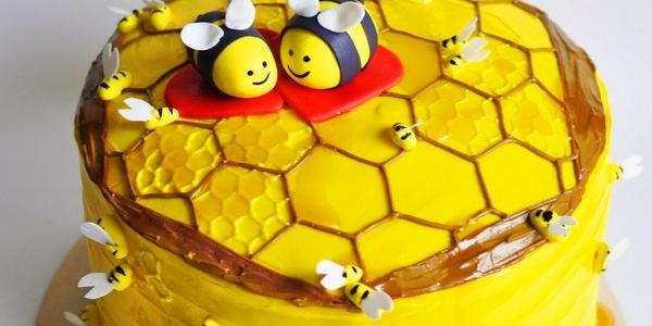 Торт «Улей с пчёлками»