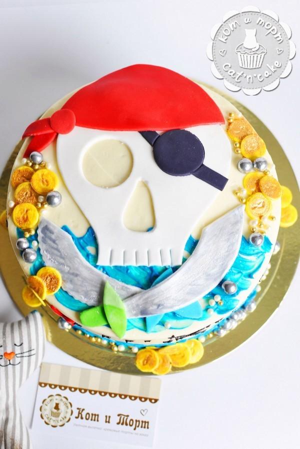 Торт пиратский с черепом