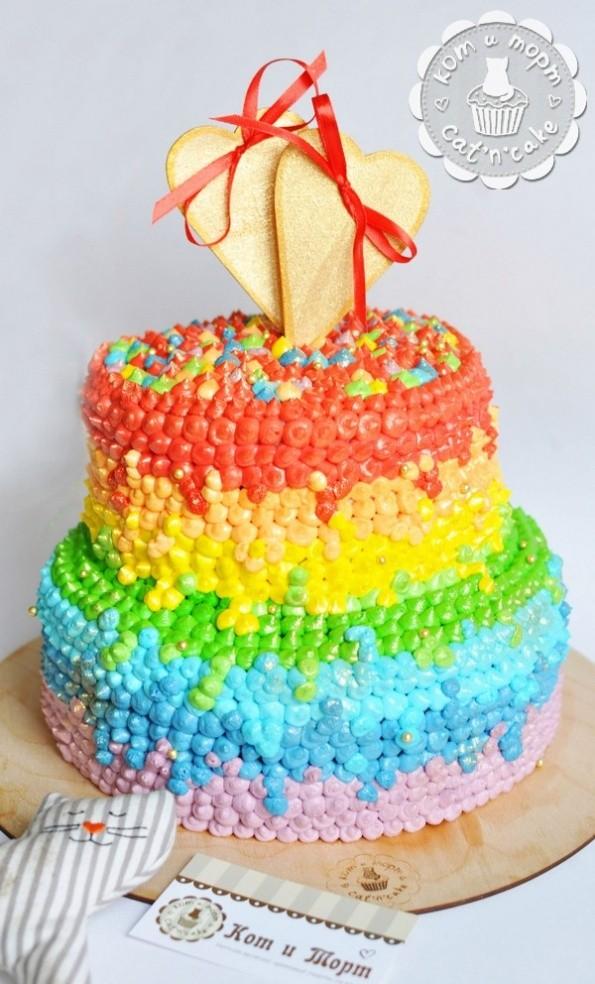 Свадебный двухъярусный радужный торт