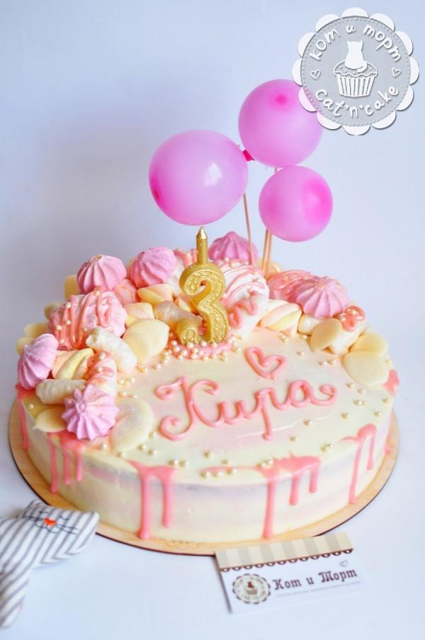 Торт розовый для девочки