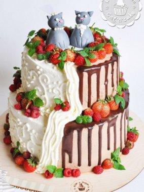 Свадебный шоколадно - ванильный торт