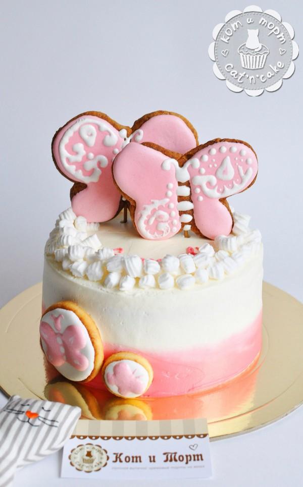 Торт с бабочками