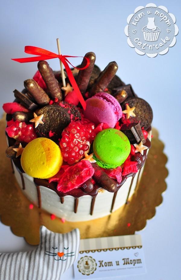 Торт со смешанным декором