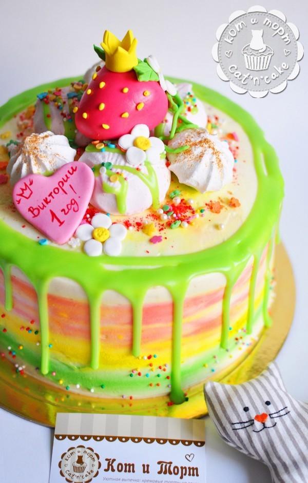 Торт с клубничкой для принцессы