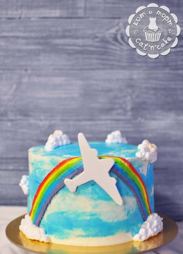 Торт с небом, радугой и самолётиком