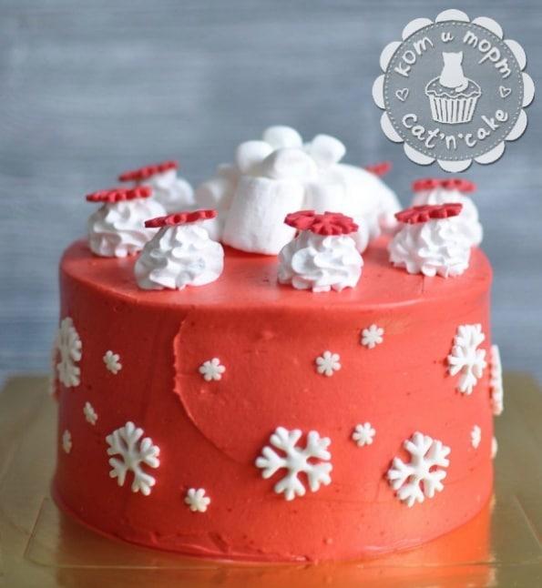 Бело-красный торт со снежинками