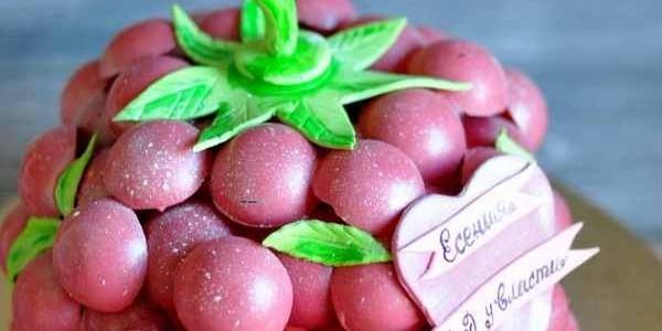 Торт-ягода