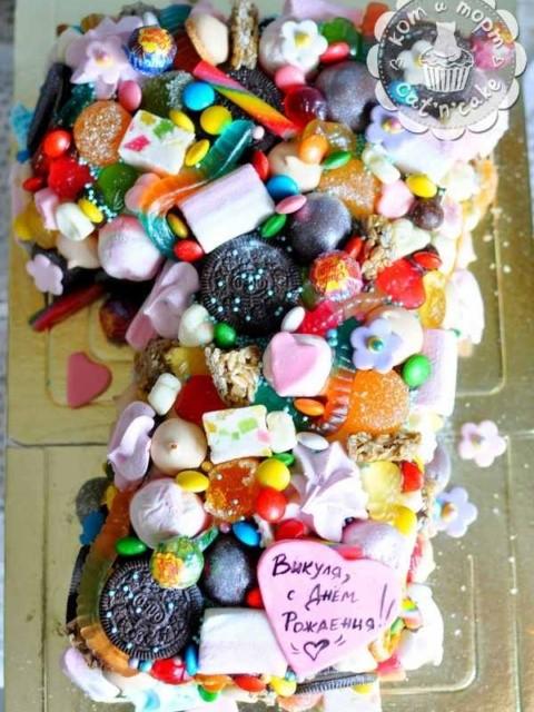 Эклектичный торт на день рождения