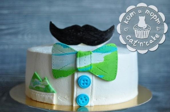Торт «Усы и бабочка»