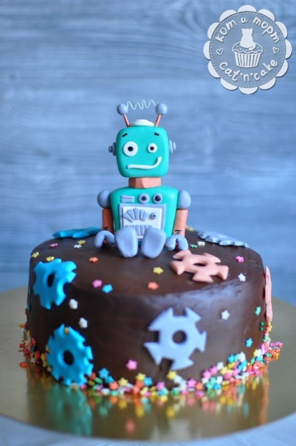 Торт с шестерёнками и роботом