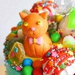 Фигурка из мастики «Оранжевый котик»