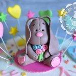 Фигурка из мастики «Кролик»