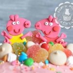 Фигурка из мастики «Две свинки Пеппы»