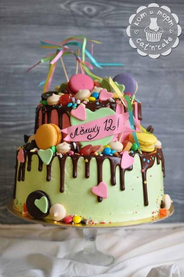 Двухъярусный торт на 12 лет