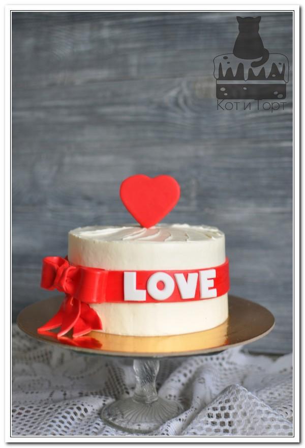 Белый торт Love