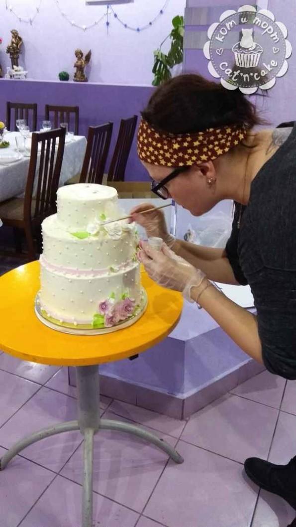 Как собрать свадебный торт?
