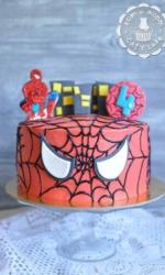 Торт с человеком-пауком