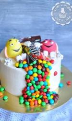 Торт с конфетами M&m`s