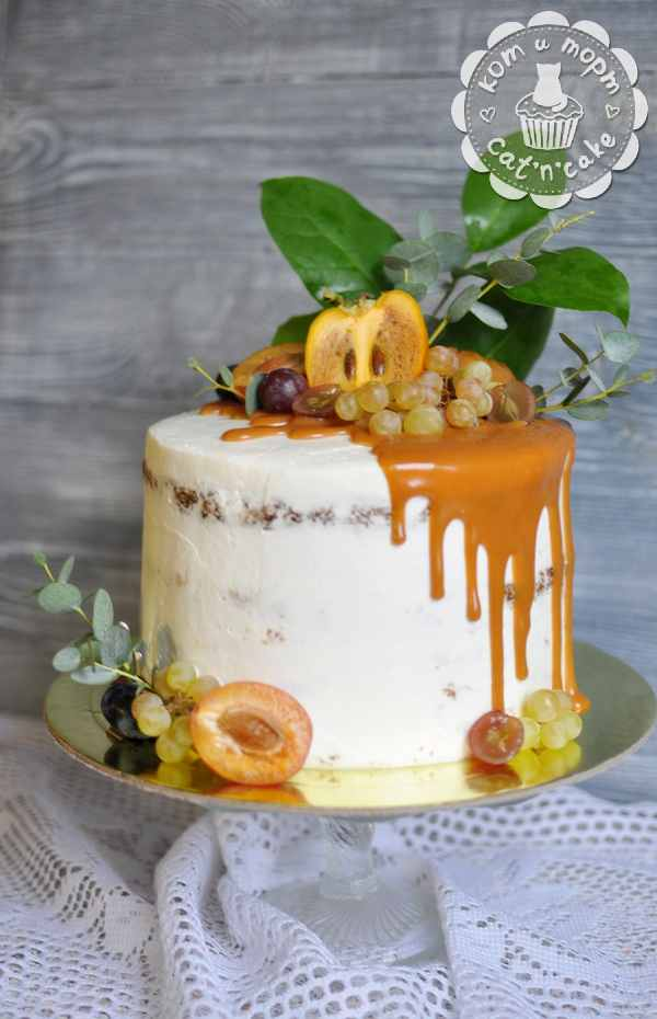 Свадебный торт с хурмой