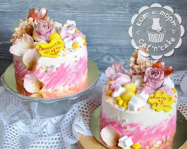 Два торта-близнеца