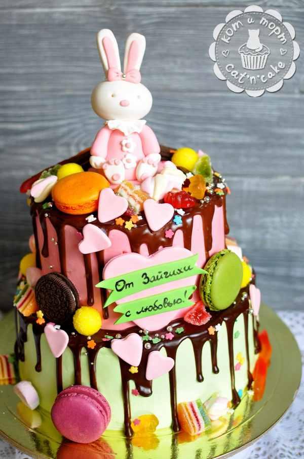 Двухъярусный торт с Зайчихой
