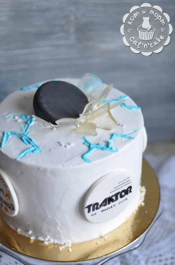 Торт с шайбой ХК «Трактор»