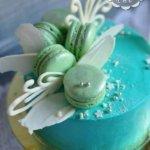 Фисташковый торт с макарунами