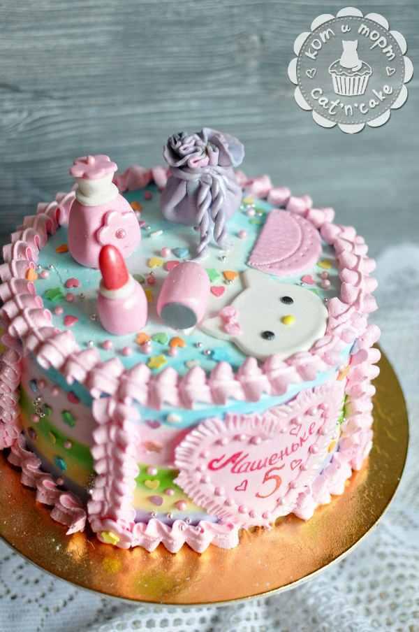 Торт для маленькой модницы