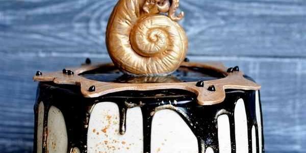 Торт с золотой раковиной