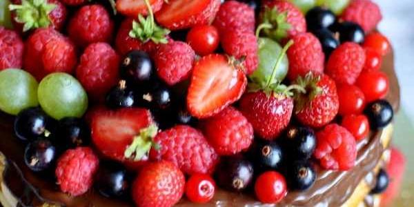 Летний торт с ягодами
