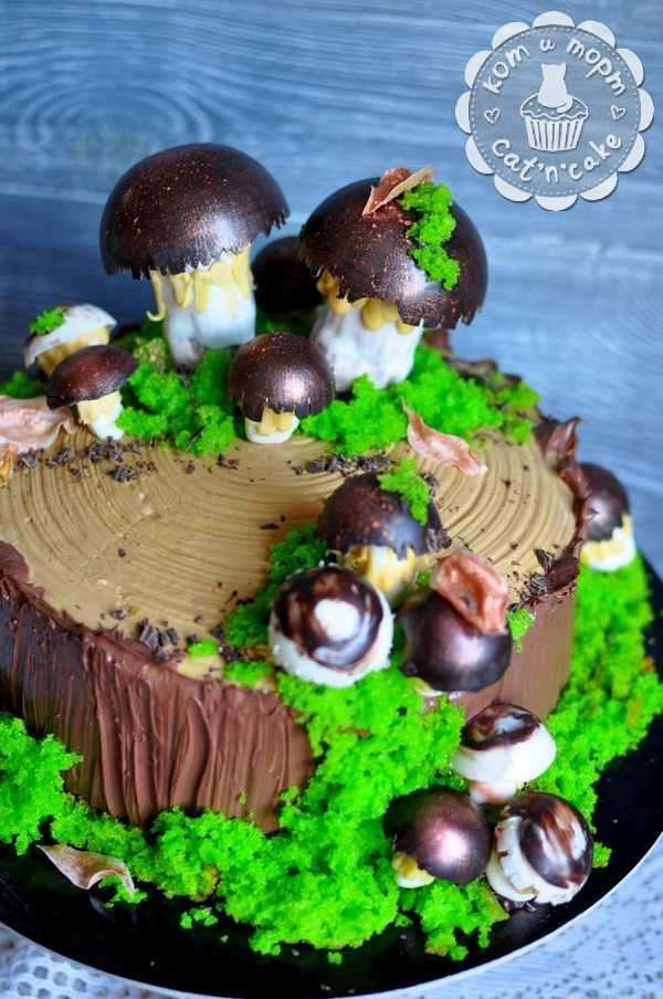 Торт «Пень с грибами»
