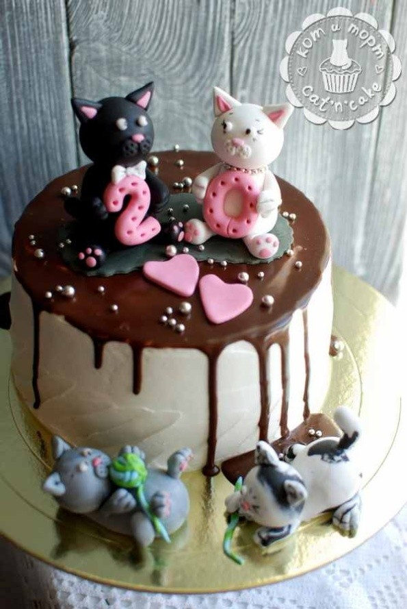 Торт с котиками на двадцатилетие свадьбы