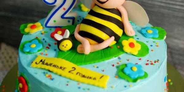 Торт с пчелой Майей
