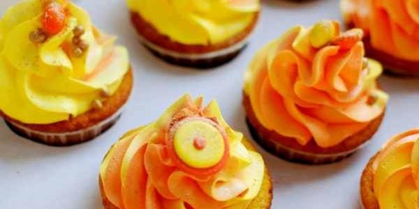 Солнечные оранжевые капкейки