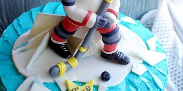 Торт с хоккеистом