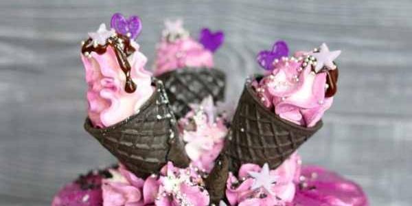Фиолетовый торт с рожками