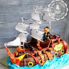 Торт-корабль с пиратом и осьминогом