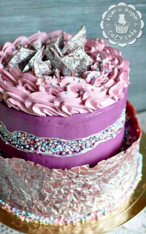Торт с линией разлома