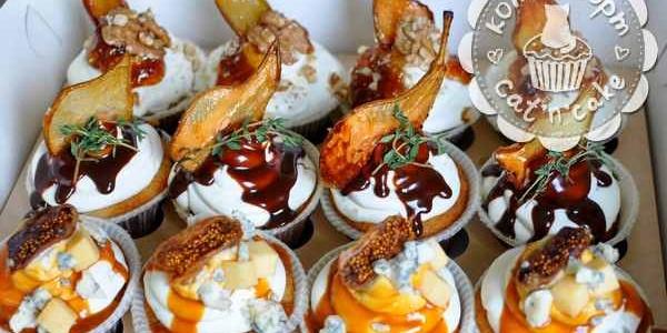 Капкейки с карамелизированной грушей