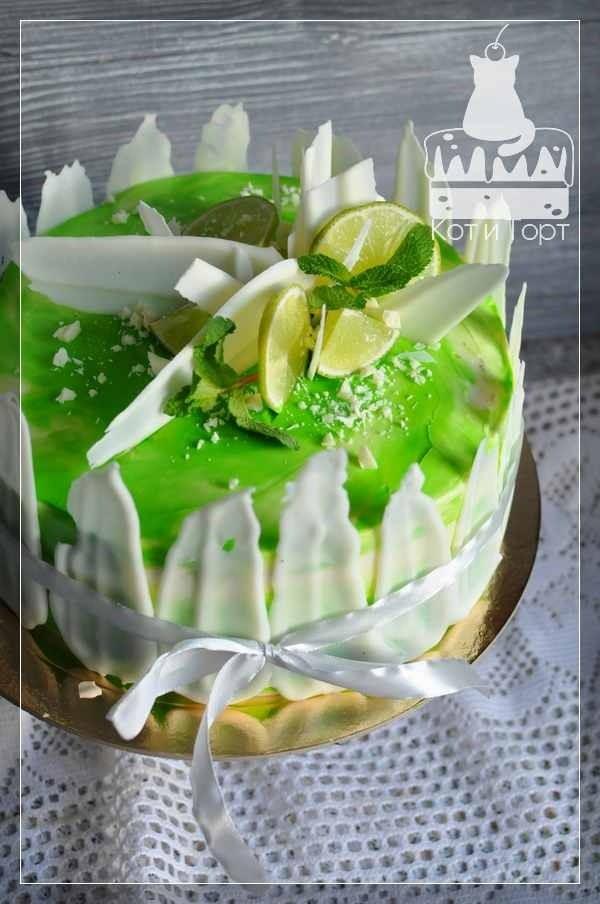 Бело-зелёный торт с лаймом