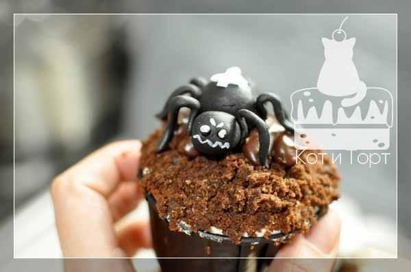 Капкейк на Хэллоуин с пауком