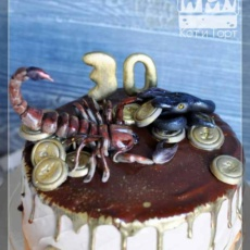 Торт со скорпионом и змеёй