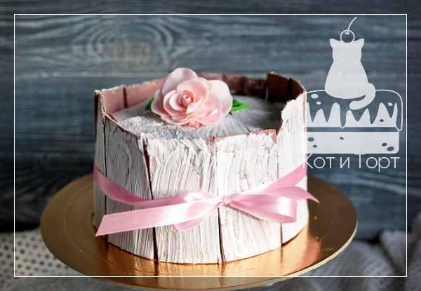Торт с кракелюром и розой