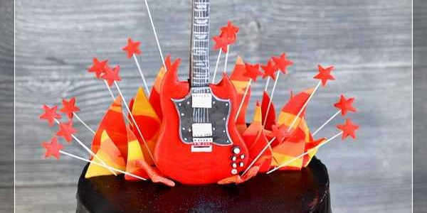 Торт с электрогитарой Gibson SG