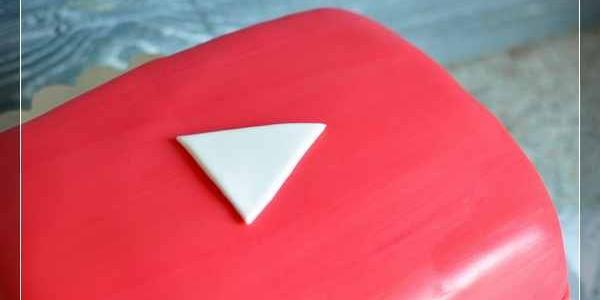 Торт с кнопкой Youtube