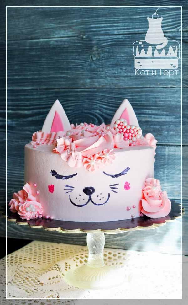 Розовый торт-кот